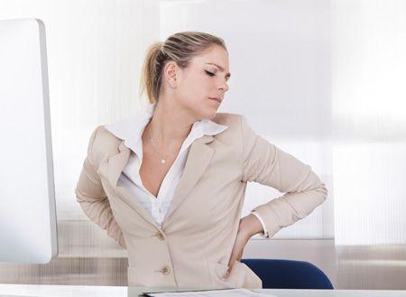 Якщо болить спина у мами: процедури, вправи, самомасаж