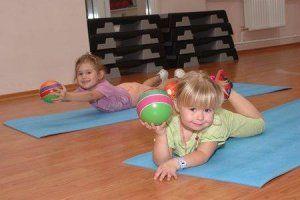 Фітнес і здорове харчування - запорука здоров`я вашої дитини.