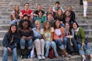 Мовні табори і школи за кордоном: як проходить навчання