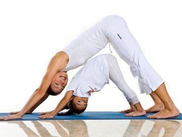 Мама і донька йога
