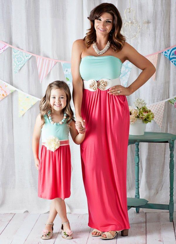 Красиві однакові сукні для мами і доньки - на кожен день і на вихід