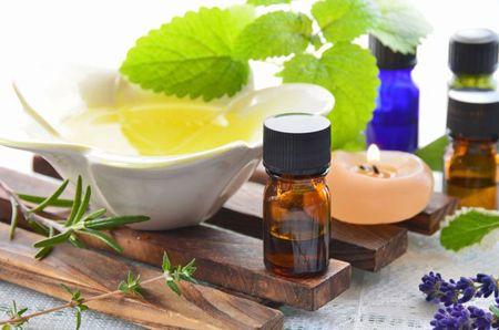 Фото: масло чайного дерева для відбілювання зубів