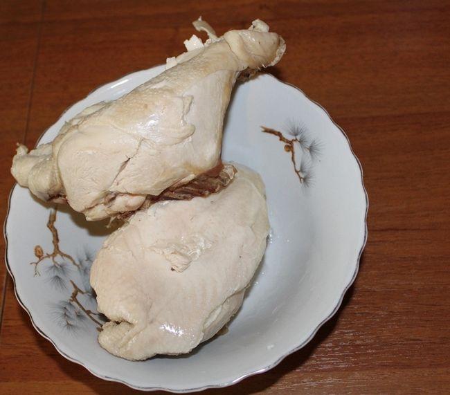 Скільки варити курячу грудку - рецепт з фото